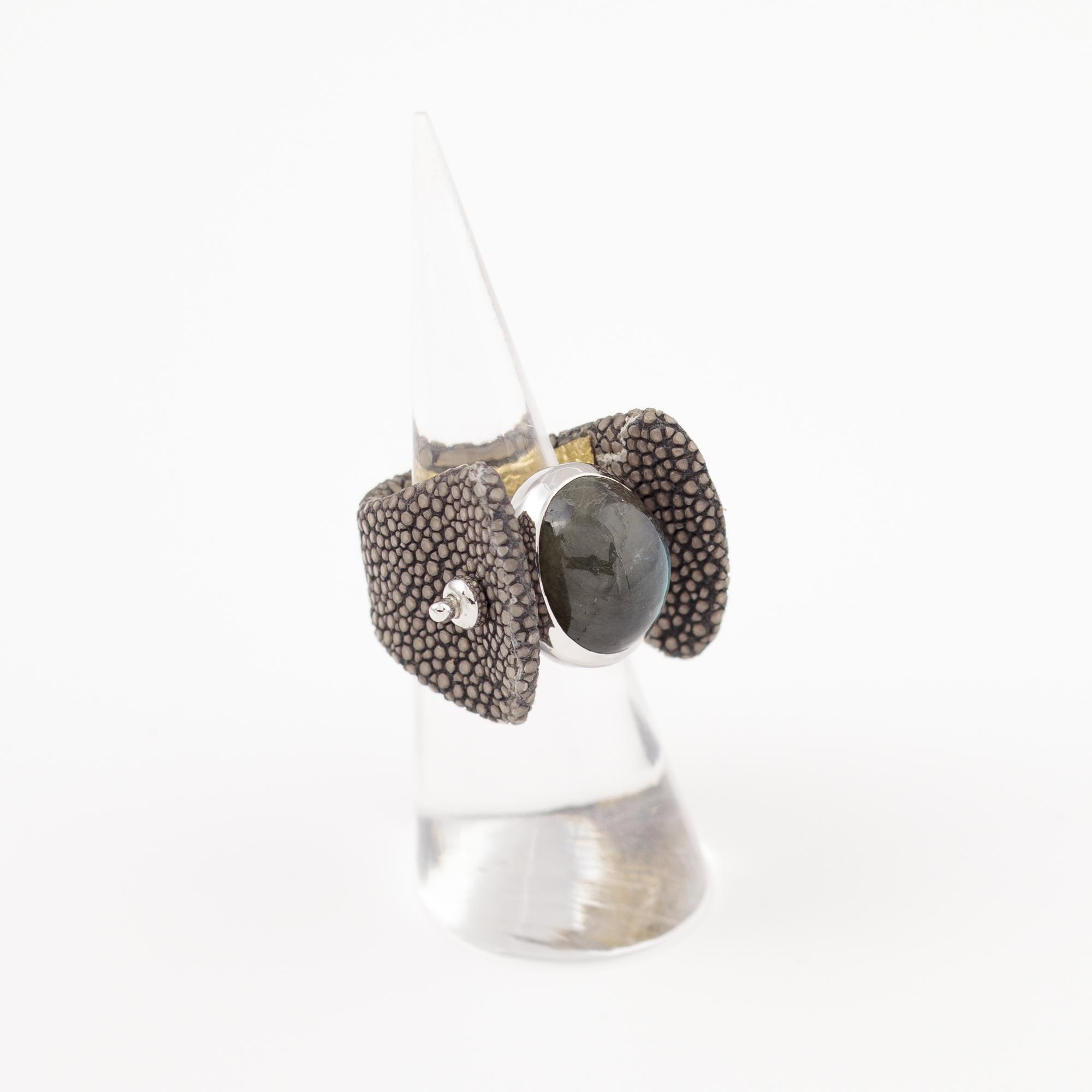 tresor-by-flore-galuchat-bague-envoutante-gris