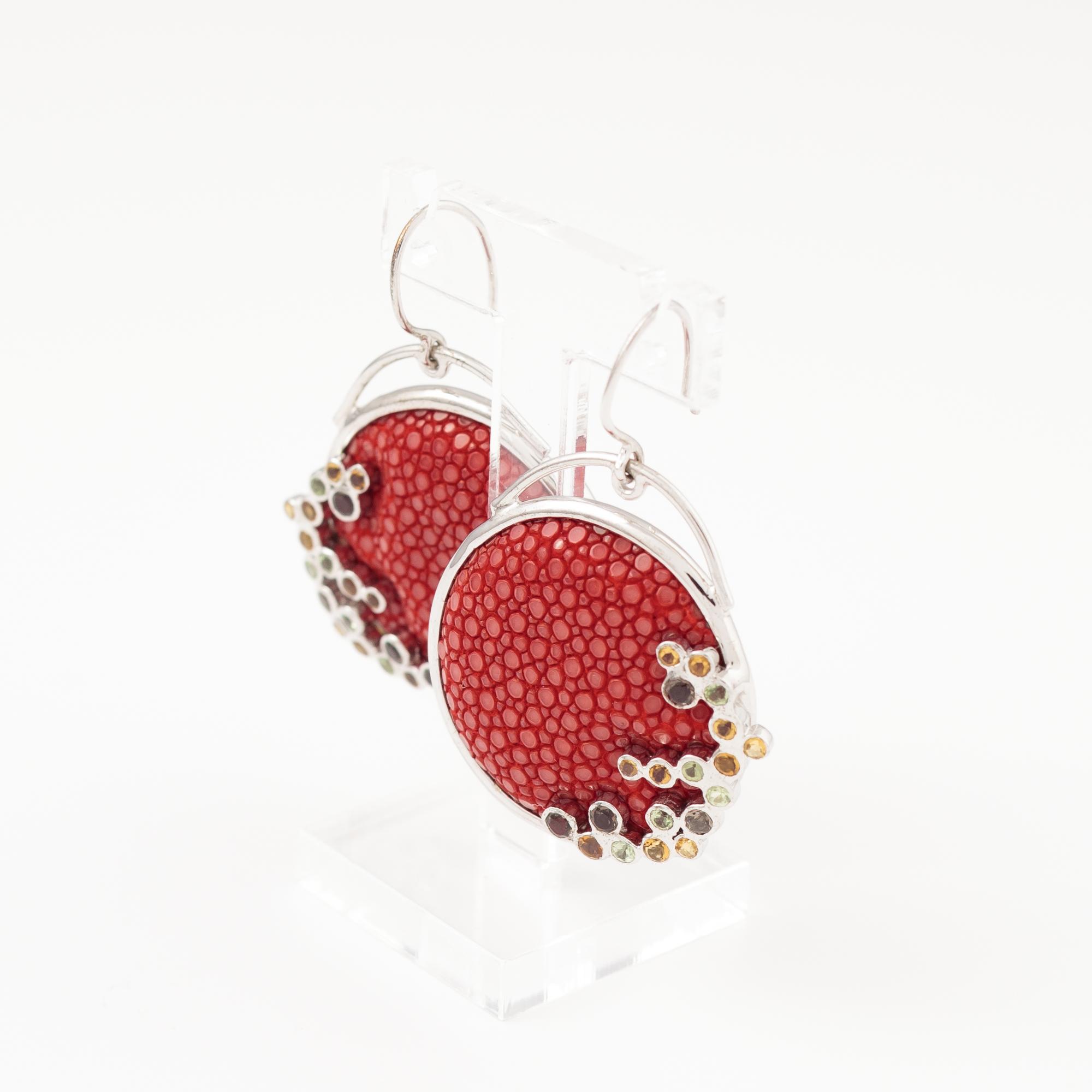tresor-by-flore-galuchat-boucles-d-oreilles-ronde-pierres-rouge