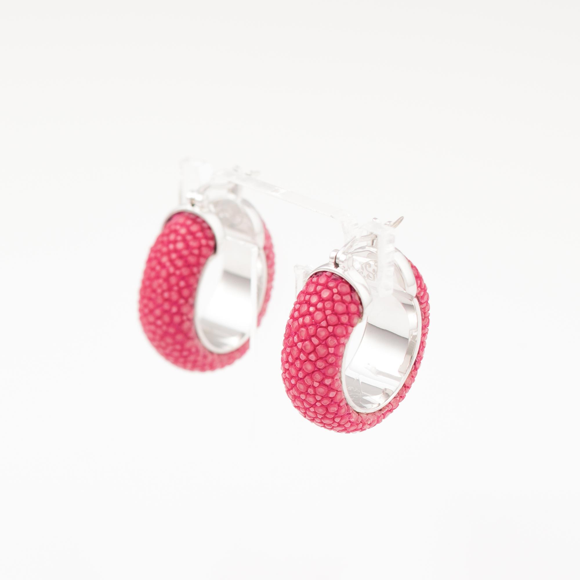tresor-by-flore-galuchat-boucles-d-oreilles-simplicite-fushia