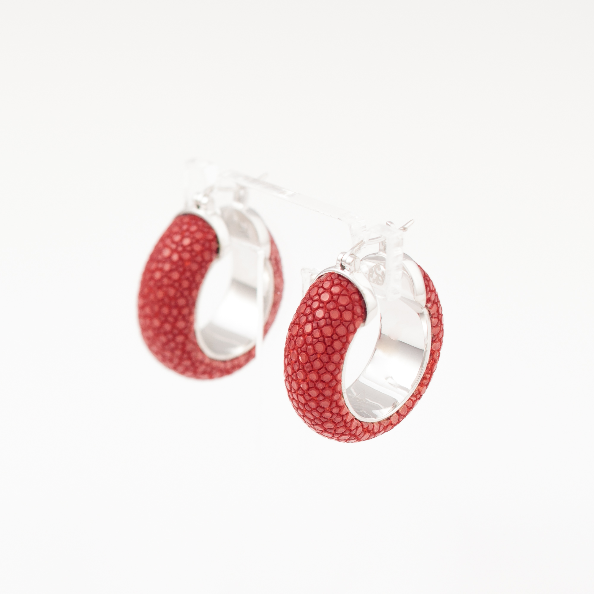 tresor-by-flore-galuchat-boucles-d-oreilles-simplicite-rouge