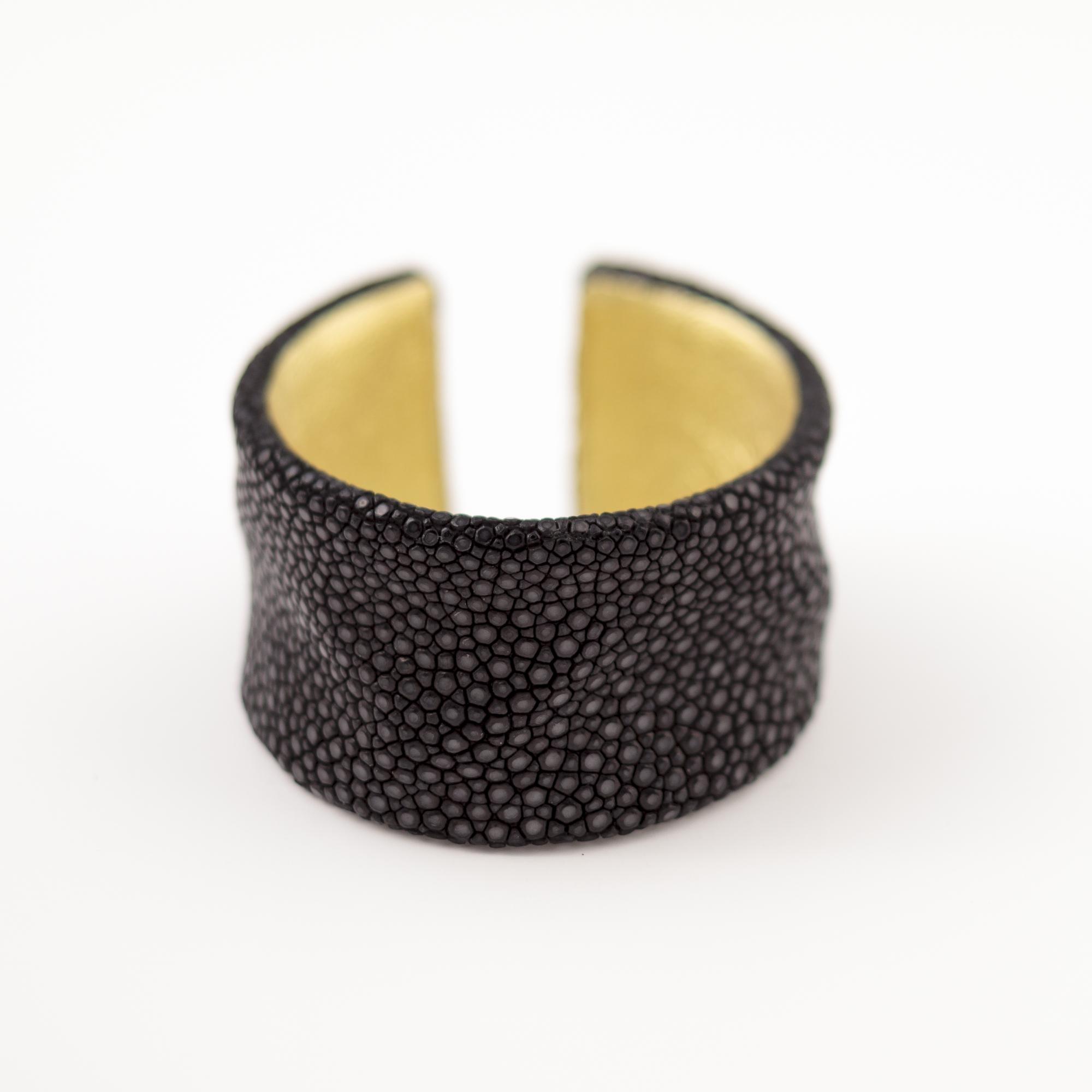 tresor-by-flore-galuchat-bracelet-froisse-noir