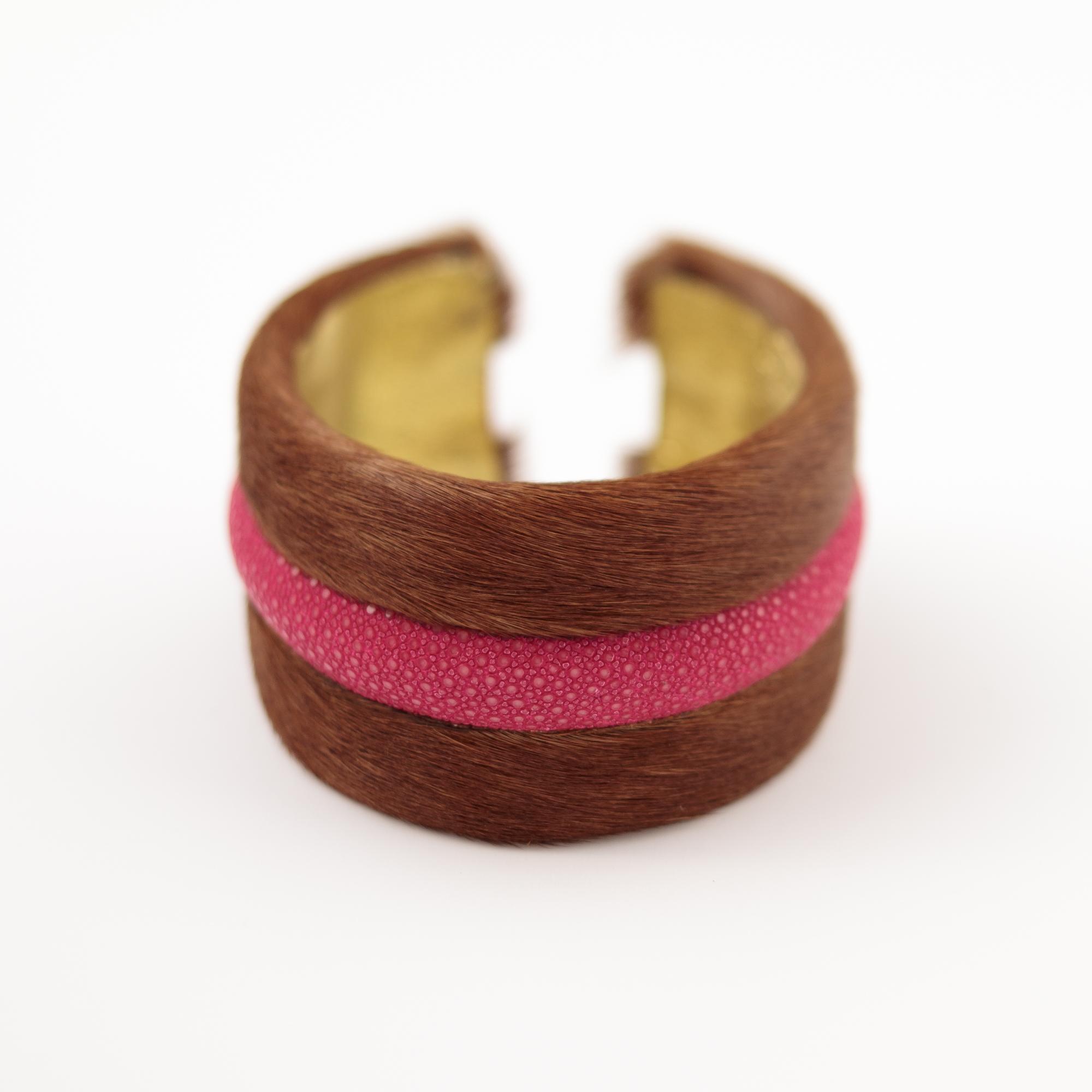 tresor-by-flore-galuchat-bracelet-poilu-marron-fushia