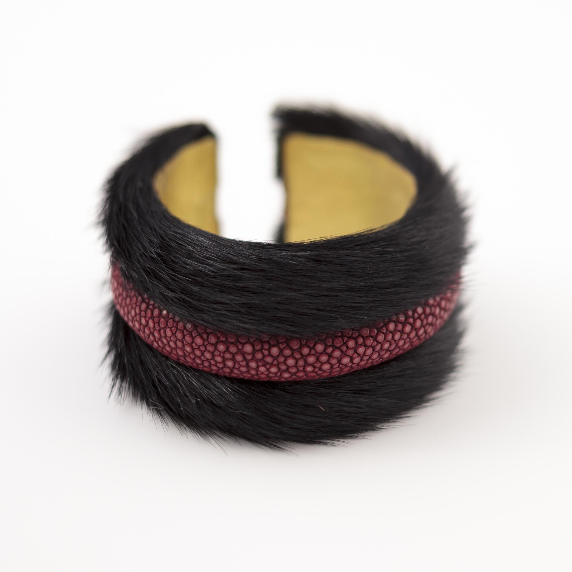tresor-by-flore-galuchat-bracelet-poilu-noir-bordeaux