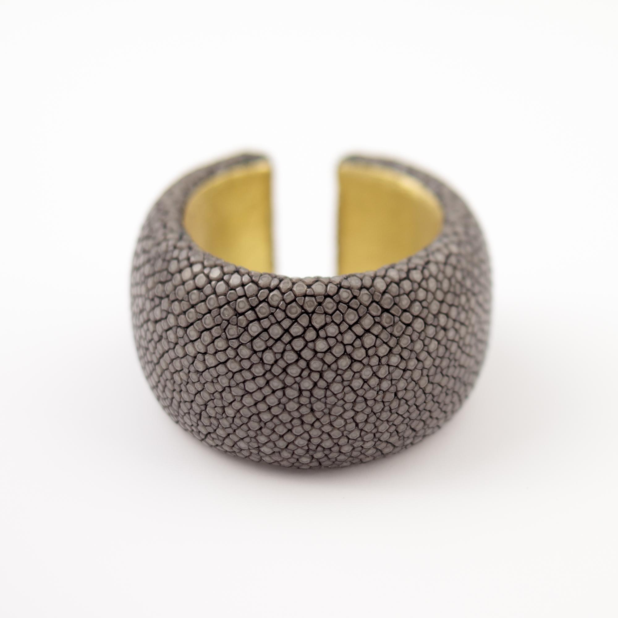 tresor-by-flore-galuchat-bracelet-simplicite-large-gris