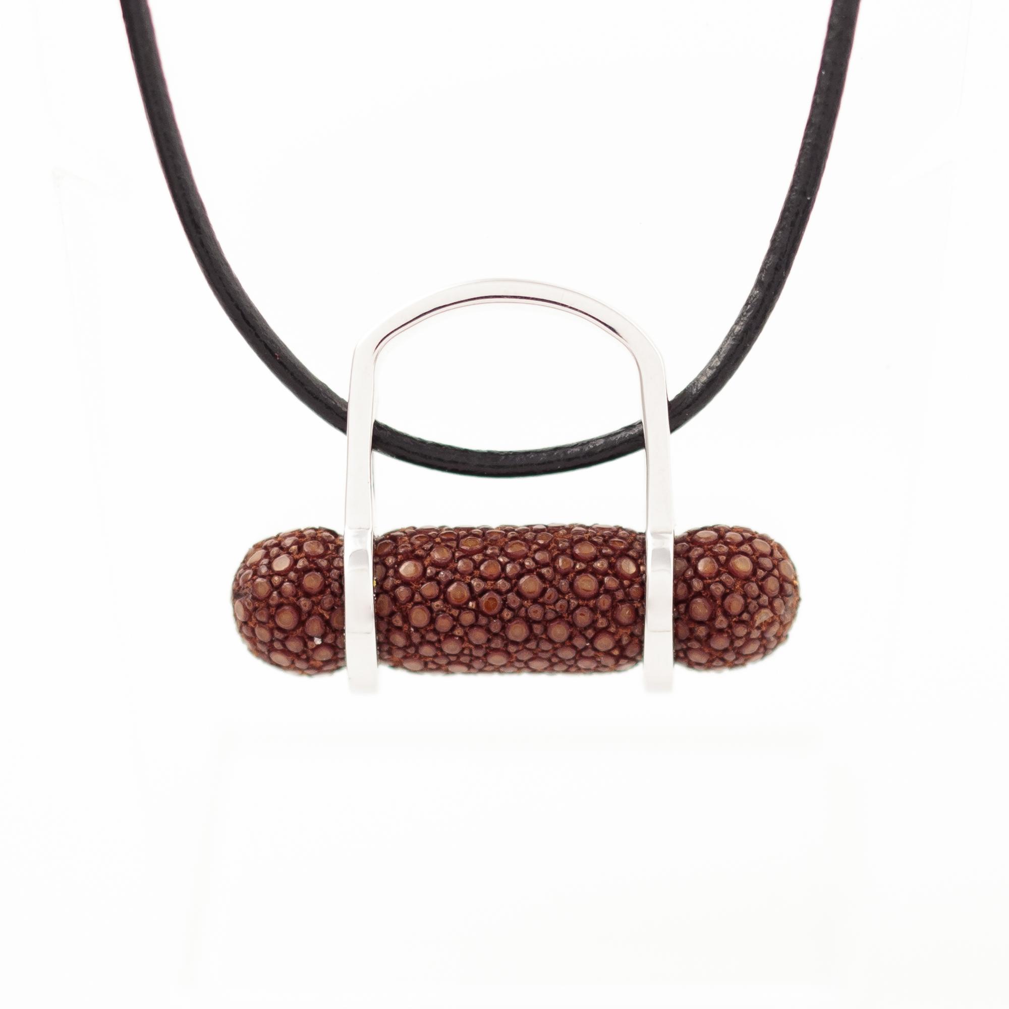 tresor-by-flore-galuchat-bague-pendentif-ogive-caramel2