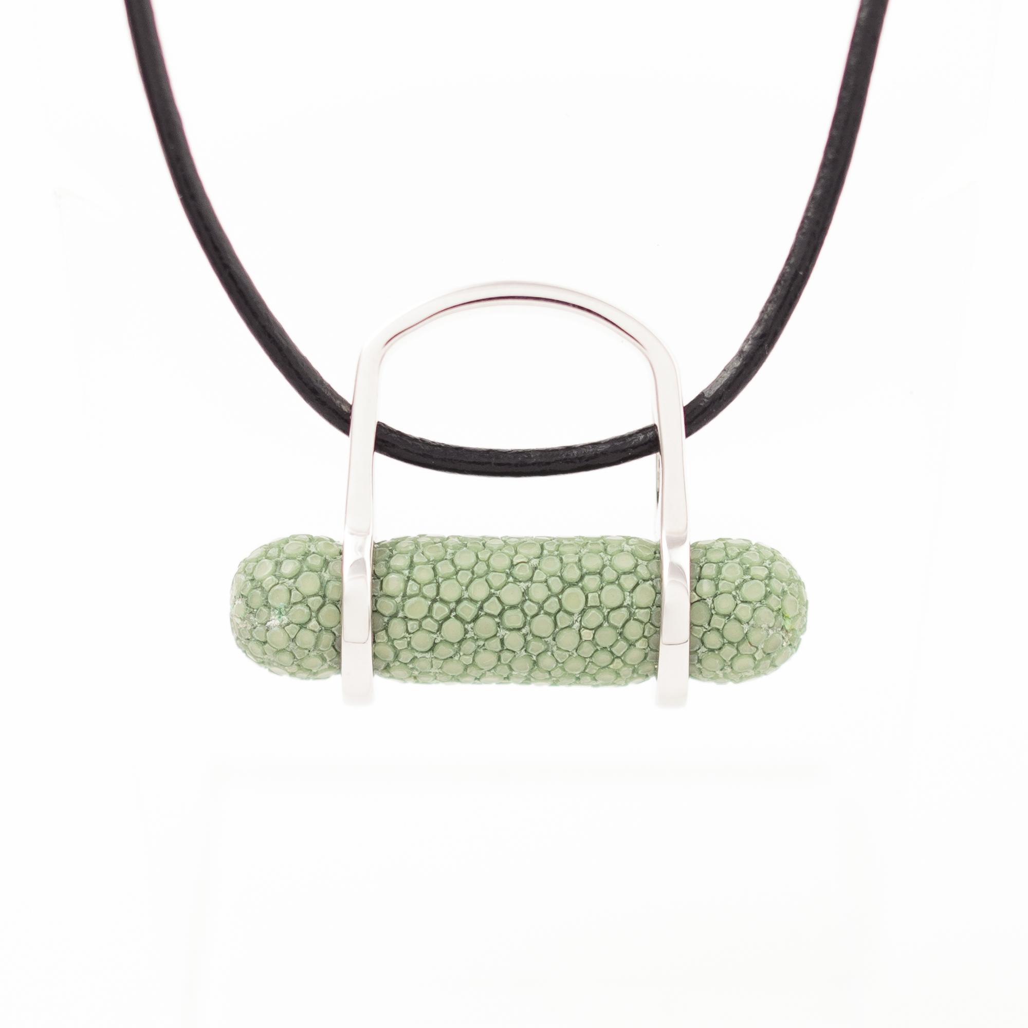 tresor-by-flore-galuchat-bague-pendentif-ogive-celadon2