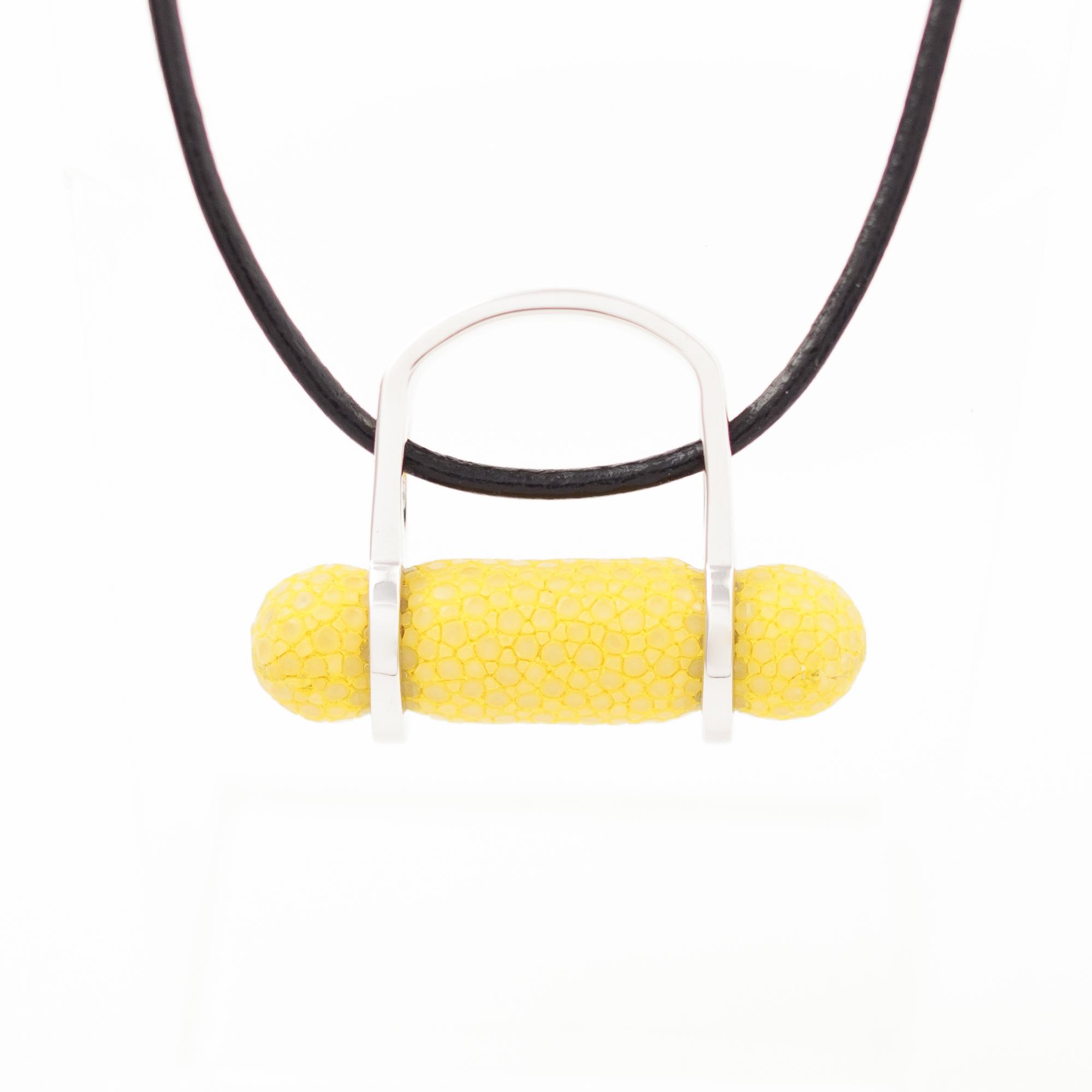 tresor-by-flore-galuchat-bague-pendentif-ogive-citron2