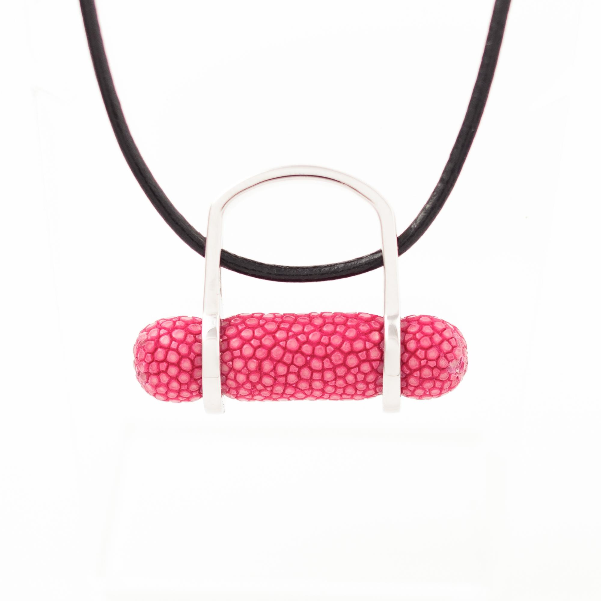 tresor-by-flore-galuchat-bague-pendentif-ogive-fushia2
